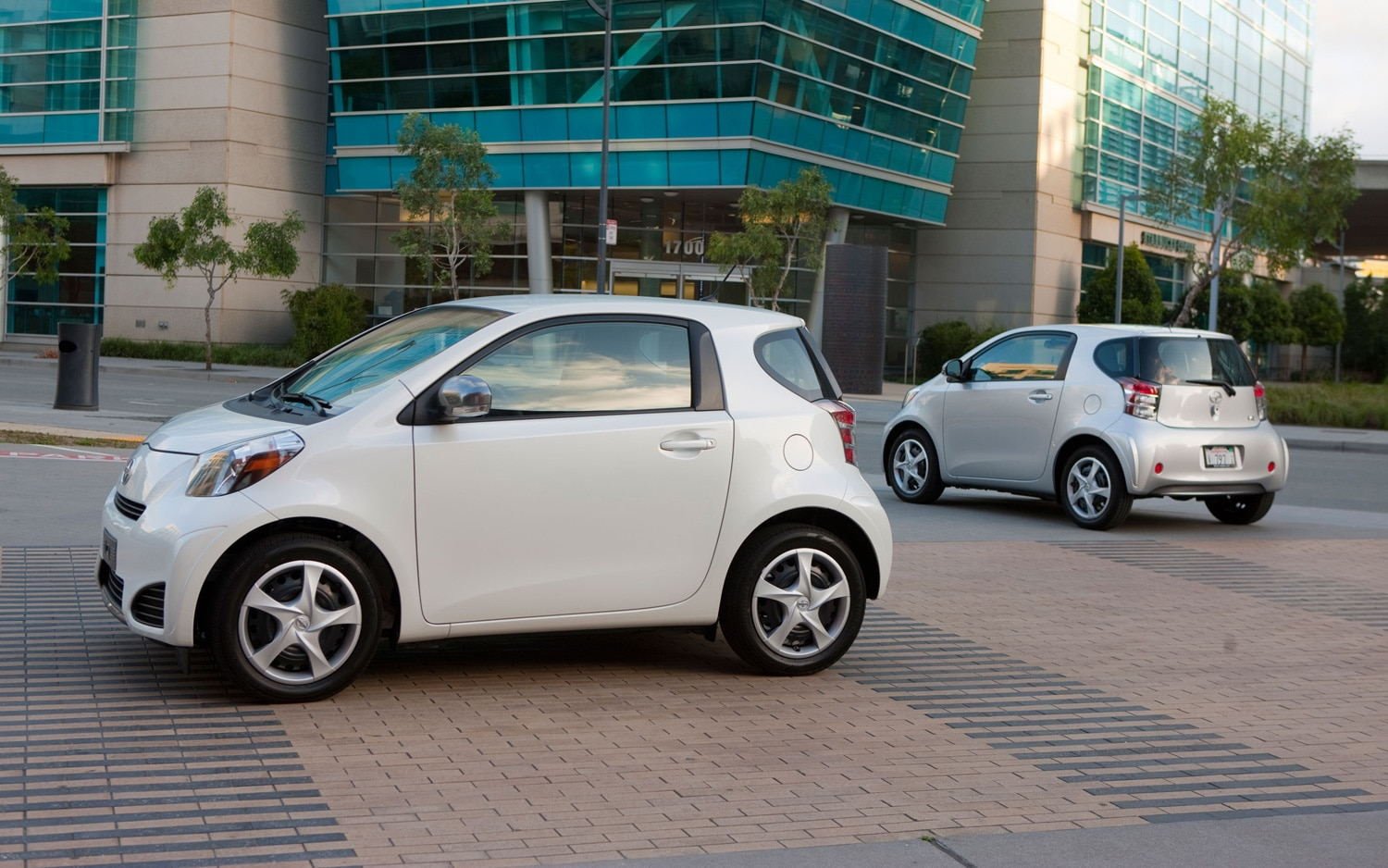 2012 Scion IQ Pair 11